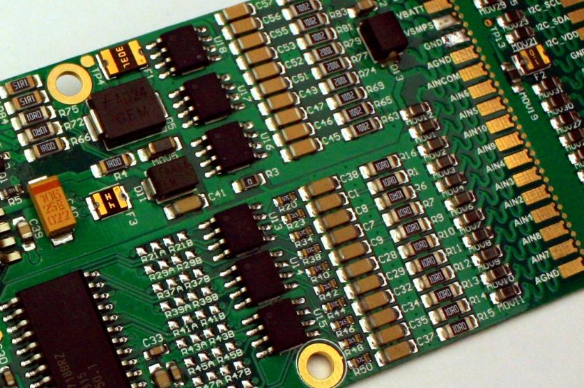 High precision, multi channel environmental instrument